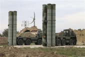 Russian S-400 long-range air defense missile systems are deployed at Hemeimim air base in Latakia, Syria.jpg