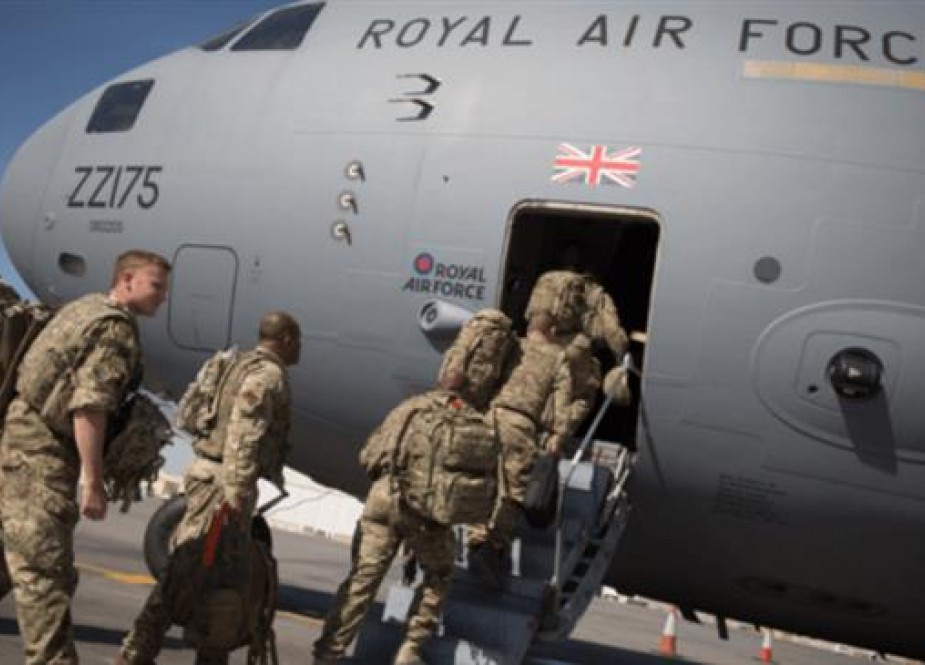 British troops board an RAF C-17 at Kandahar airfield, as the UK terminates its combat operations in Afghanistan in November 2014. (File photo)