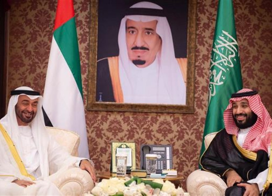 The picture provided by the Saudi Royal Court shows Abu Dhabi Crown Prince Sheikh Mohammed bin Zayed Al Nahyan (L) during a meeting with Saudi Crown Prince Mohammed bin Salman in Jeddah, Saudi Arabia, June 6, 2018. (Via Reuters)