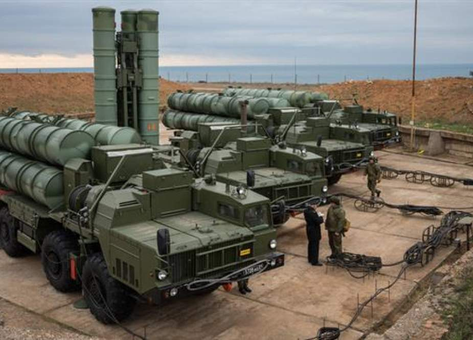 This file picture shows sophisticated Russian-made S-400 anti-aircraft missile systems in the Black Sea peninsula of Crimea, Russia. (Photo by Sputnik news agency)