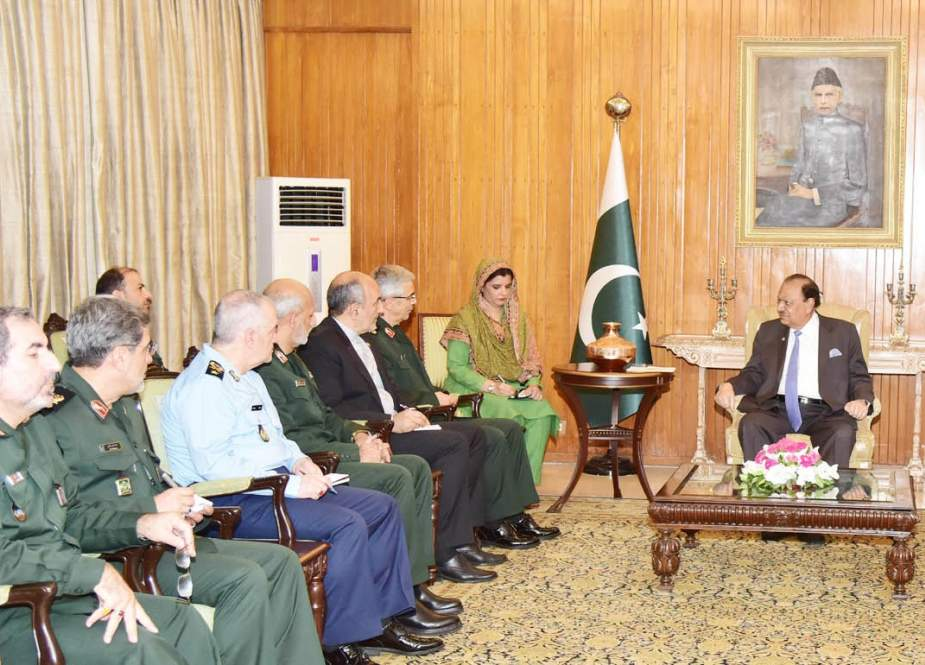 Pakistani President Mamnoon Hussain meets with Chairman of the Chiefs of Staff of the Iranian Armed Forces Major General Mohammad Baqeri in Islamabad