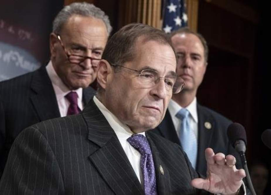 US House Judiciary Committee Chairman Jerrold Nadler (center) and Senate Democratic Leader Chuck Schumer (L) (File Photo)
