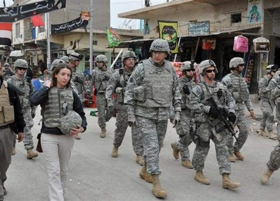 US Army Gen. Ray Odierno walks with soldiers through a market in Khalis, Iraq, in 2009.jpg