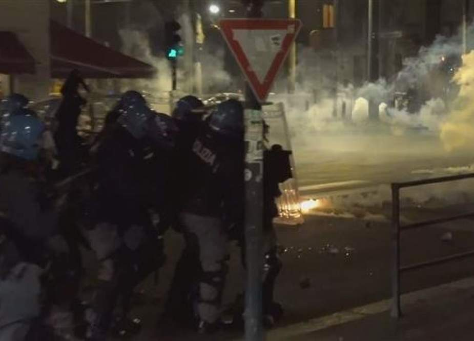 Italy: Turin anarchists clash with police
