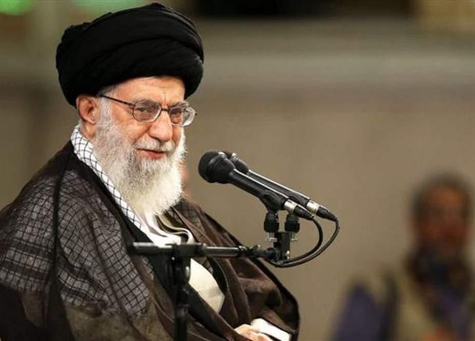 """Khamenei: Iran Memasuki """"Fase Kedua Revolusi Islam"""""""