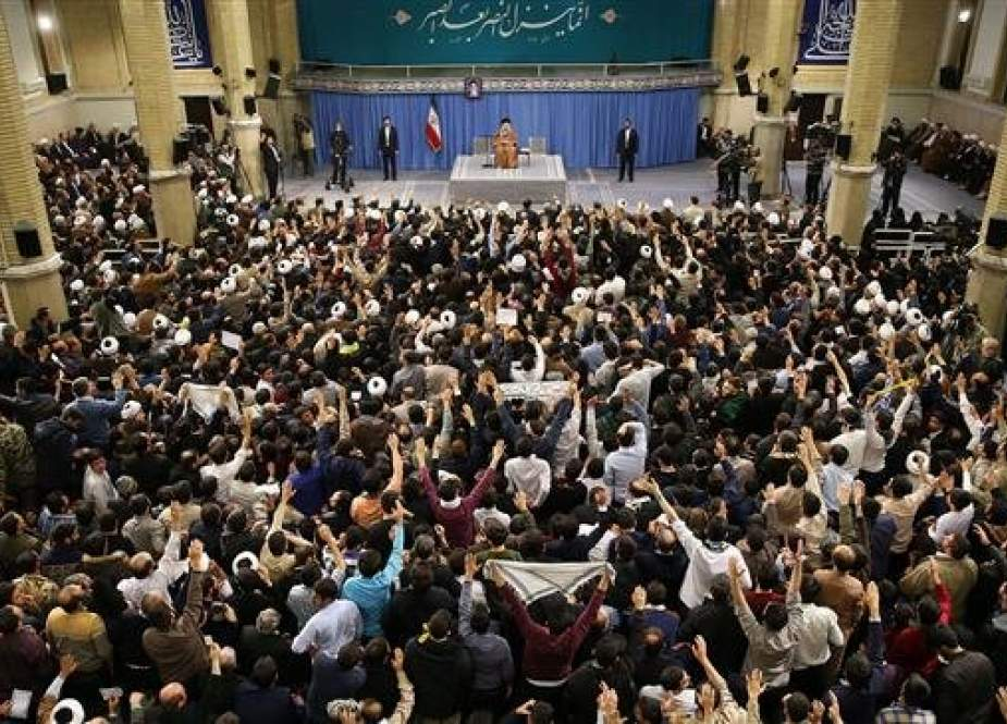Ayatollah Khamenei addresses a large crowd of people in Tehran.jpg