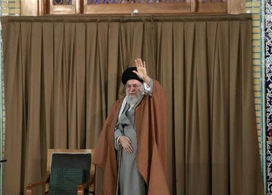Ayatollah Khamenei waves to the audience during a speech at the holy shrine of Imam Reza (AS) in Mashhad, March 21, 2019.