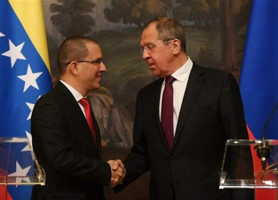 Russian Foreign Minister Sergei Lavrov (R) and his Venezuelan counterpart Jorge Arreaza attend a press conference before their meeting in Moscow on May 5, 2019 (Photo by AFP)
