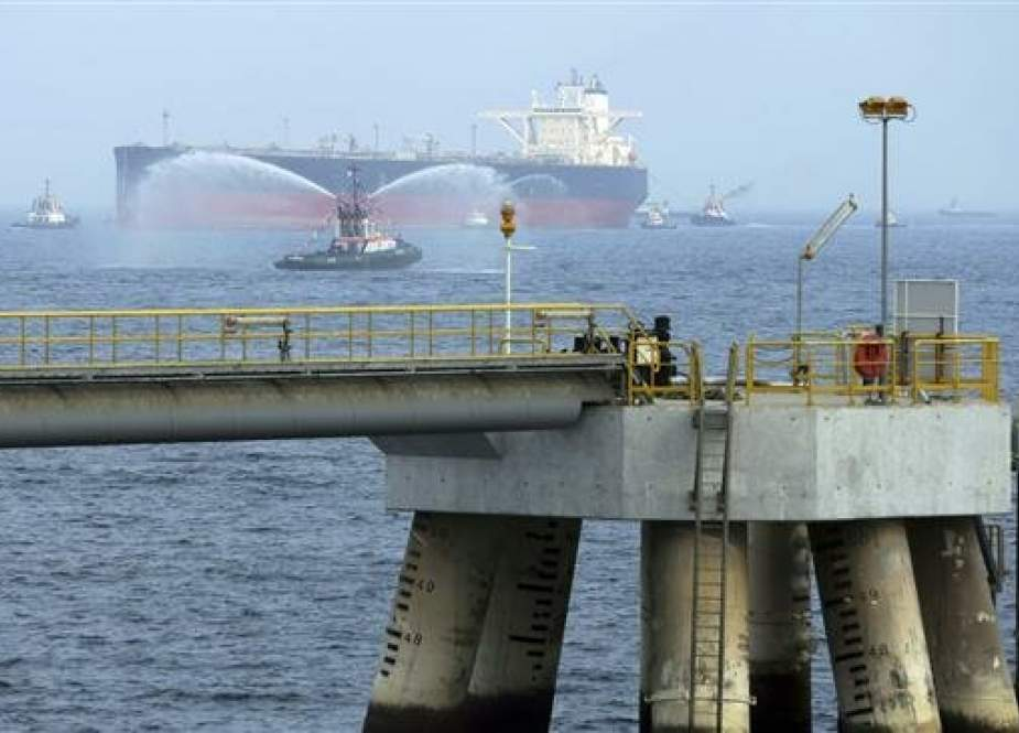 An oil tanker approaches the oil facility in Fujairah, United Arab Emirates. (Photo by AP)