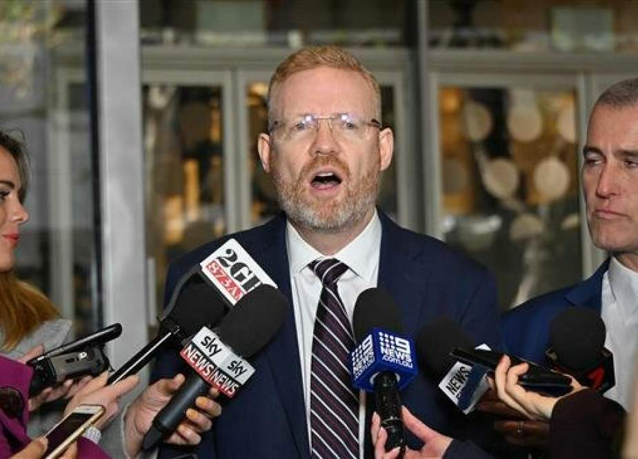ABC's Editorial Director Craig McMurtrie speaks to the media as Australian police raid the headquarters of the public broadcaster in Sydney, Australia, on June 5, 2019. (Photo by AFP)
