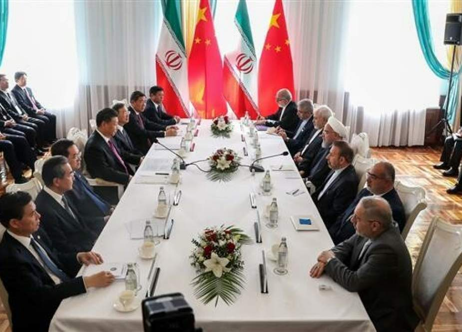 Iranian President Hassan Rouhani holds talks with his Chinese counterpart Xi Jinping in Bishkek, Kyrgyzstan.jpg