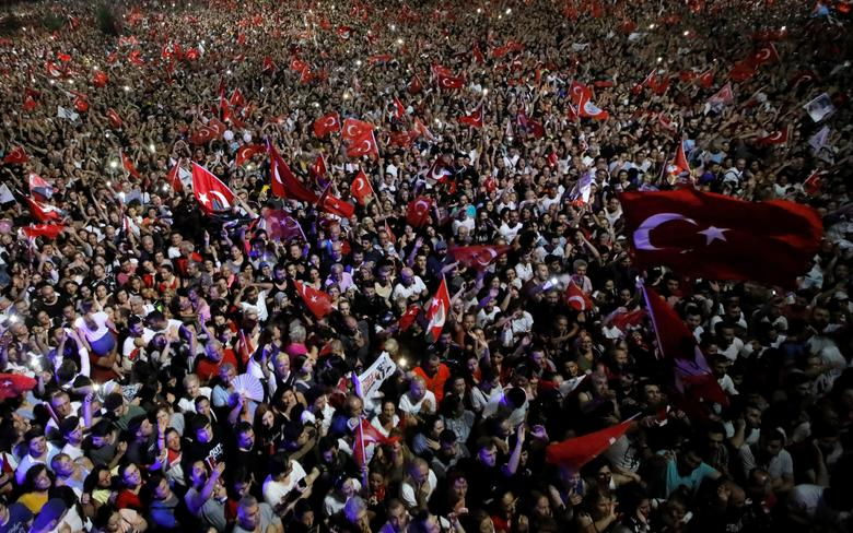 Supporters attend a rally of Ekrem Imamoglu, mayoral candidate of the main opposition Republican People's Party (CHP), in Beylikduzu district, in Istanbul, June 23. On Sunday and in the early hours Monday, tens of thousands of Imamoglu supporters celebra
