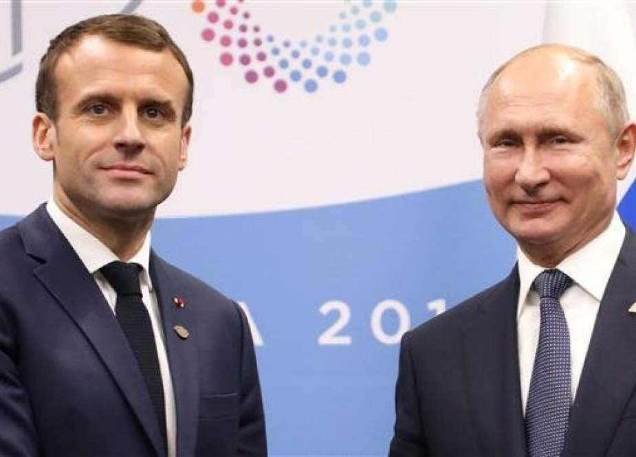 French President Emmanuel Macron  and his Russian counterpart Vladimir Putin on G20 summit in Buenos Aires, Argentina.jpg
