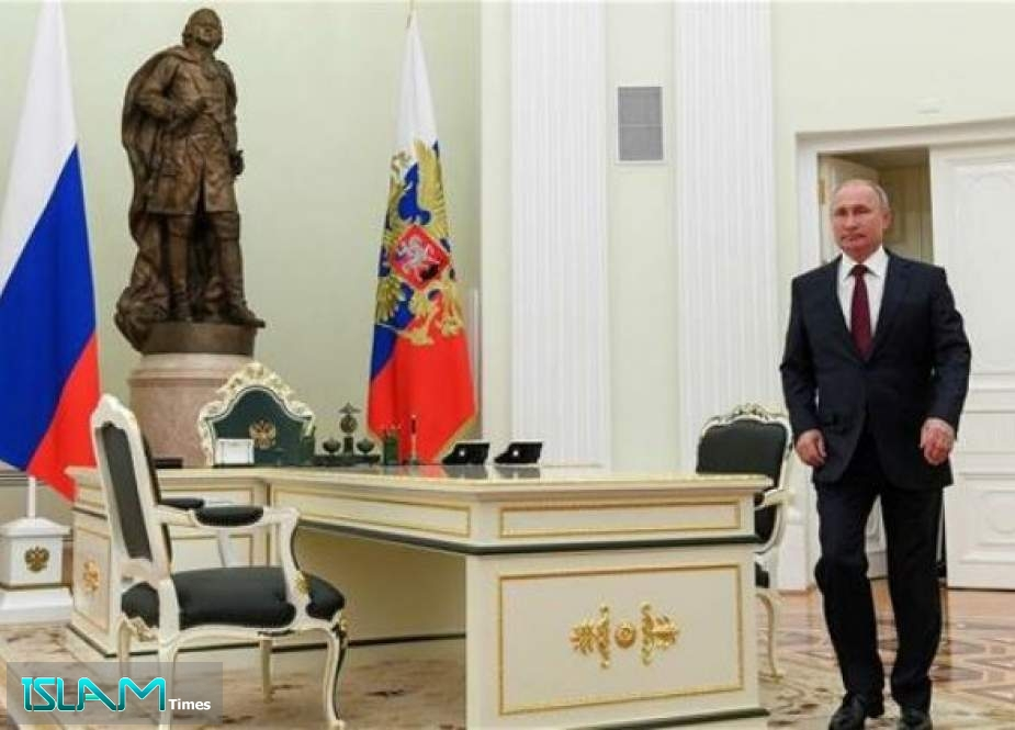 Russian President Vladimir Putin arrives for a meeting with Moldovia