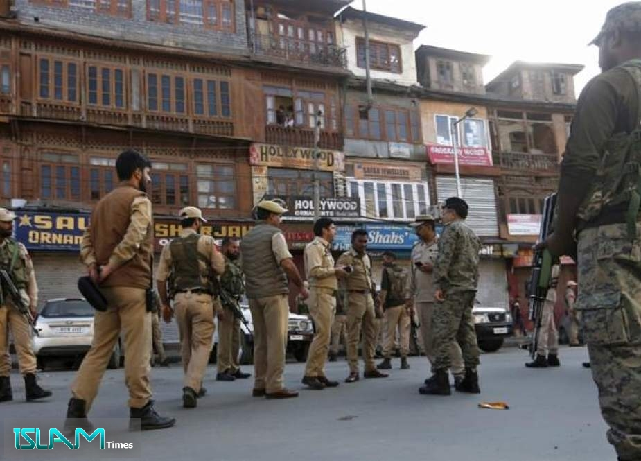 Crossfire between Indian security forces and armed rebels in Kashmir