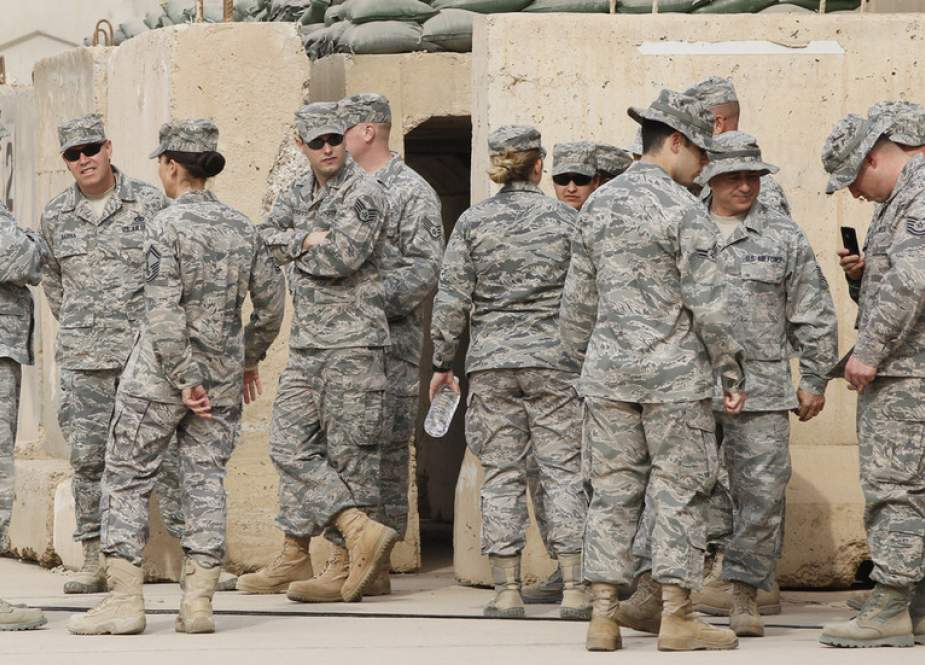 US soldiers at the former US Sather Air Base near Baghdad.JPG