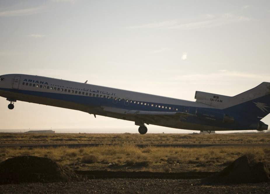 Ariana Afghan Airlines Boeing 727 takes off from Herat airport.JPG