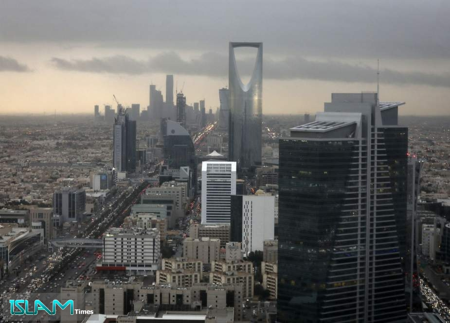 Saudi Arabia Considers Asset Sale, Income Tax amid Economic Woes: Report