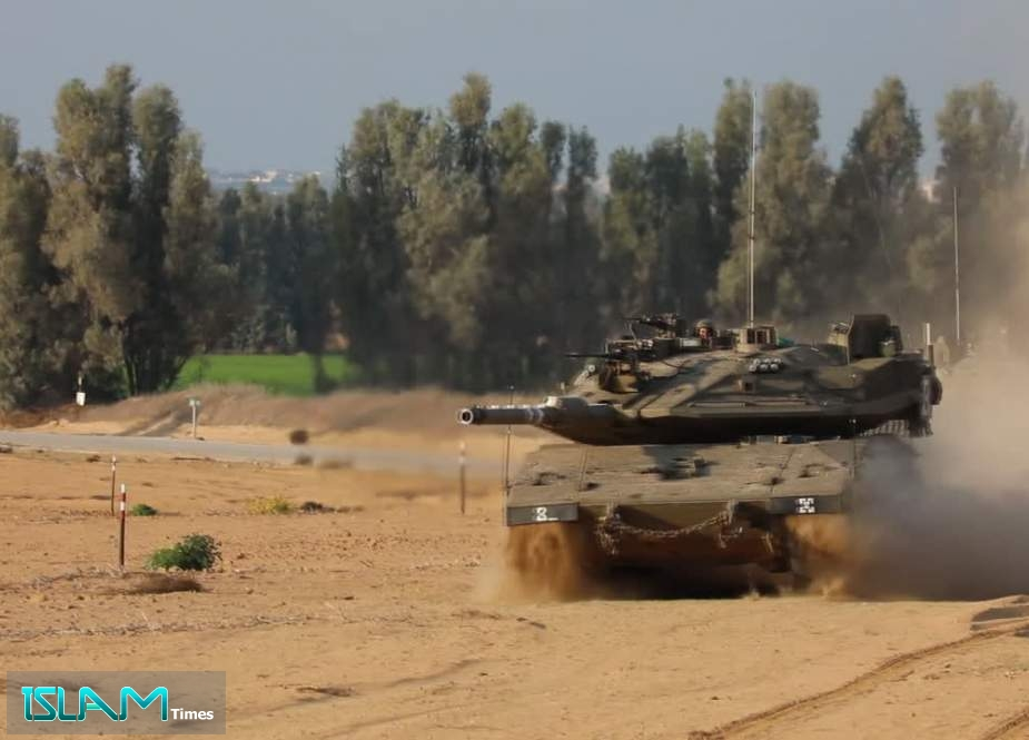 Three Israeli Tanks Cross Border Fence to Enter Lebanese Territory
