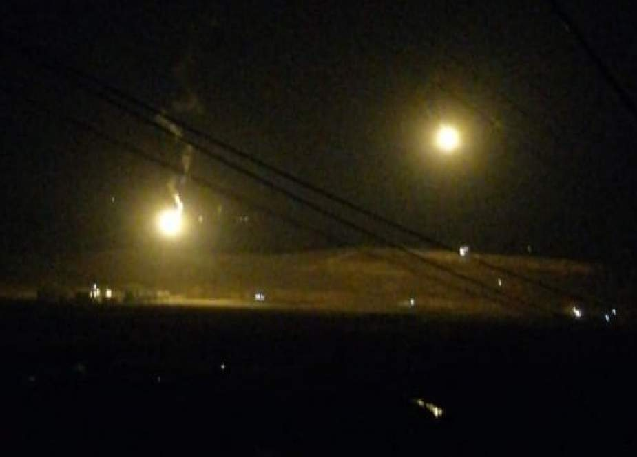 Israeli troops fired flash bombs in Motella settlement off the Lebanese town of Khiam.jpeg