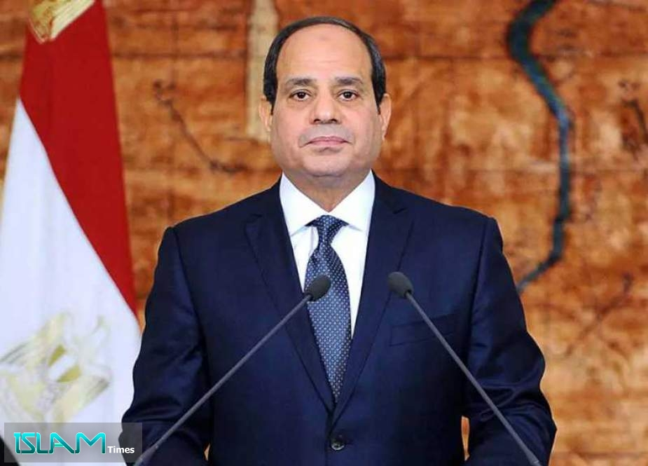 Egypt's Sisi Promises Investment to Avoid Suez Closure Repeat