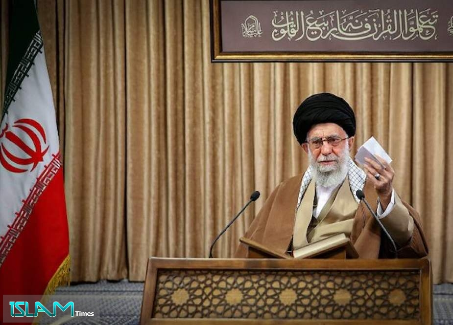 Ayatollah Khamanei Urges Iranian Army to Boost Preparedness